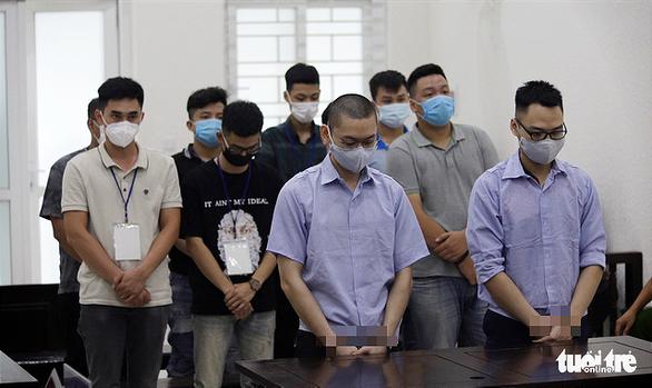 3 cựu công an lãnh án tù vì bắt, đánh nhóm người nghi đua xe - Ảnh 1.