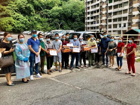 Nữ y sĩ đi cứu giúp đồng bào Việt ở Malaysia - Ảnh 3.