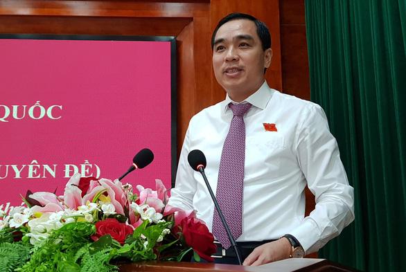 Ông Huỳnh Quang Hưng tái đắc cử chủ tịch UBND TP Phú Quốc - Ảnh 1.
