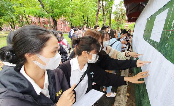 Trên 1 triệu thí sinh cả nước làm thủ tục dự thi tốt nghiệp THPT - Ảnh 12.