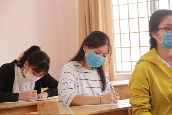 Trên 1 triệu thí sinh cả nước làm thủ tục dự thi tốt nghiệp THPT - Ảnh 24.