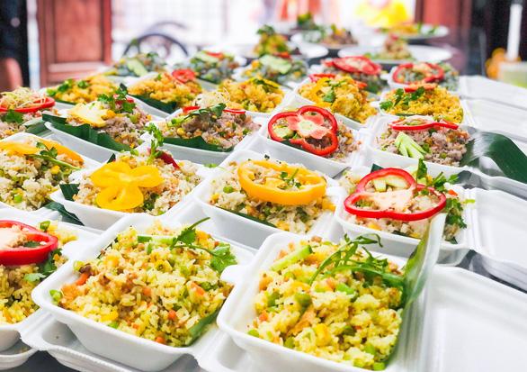 Tường Nguyên thiền tự nhỏ ở quận 4 với 6.000 phần cơm từ bi chia sẻ mỗi ngày - Ảnh 4.