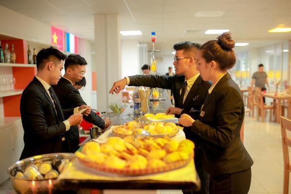 Học ngành Nhà hàng - Khách sạn với bằng Cử nhân ĐH CY Cergy Paris (Pháp) - Ảnh 3.