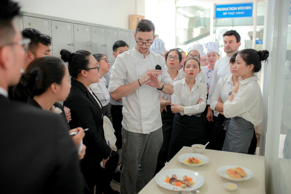 Học ngành Nhà hàng - Khách sạn với bằng Cử nhân ĐH CY Cergy Paris (Pháp) - Ảnh 4.