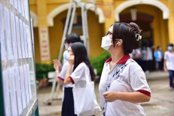 Trên 1 triệu thí sinh cả nước làm thủ tục dự thi tốt nghiệp THPT - Ảnh 1.