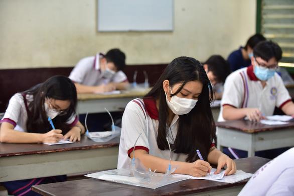 Trên 1 triệu thí sinh cả nước làm thủ tục dự thi tốt nghiệp THPT - Ảnh 27.