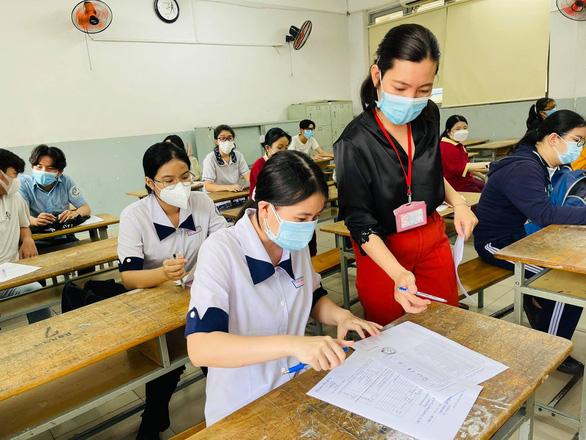 Trên 1 triệu thí sinh cả nước làm thủ tục dự thi tốt nghiệp THPT - Ảnh 3.