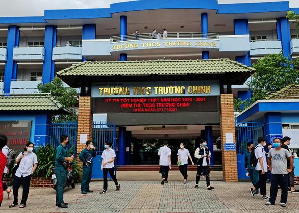 Trên 1 triệu thí sinh cả nước làm thủ tục dự thi tốt nghiệp THPT - Ảnh 4.