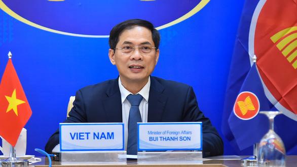 Nga khẳng định hỗ trợ đào tạo, bộ xét nghiệm và vắc xin COVID-19 cho ASEAN - Ảnh 1.