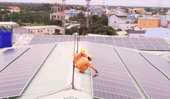 Nhiều công trình điện mặt trời chưa đảm bảo tiêu chí theo quy định - Ảnh 1.