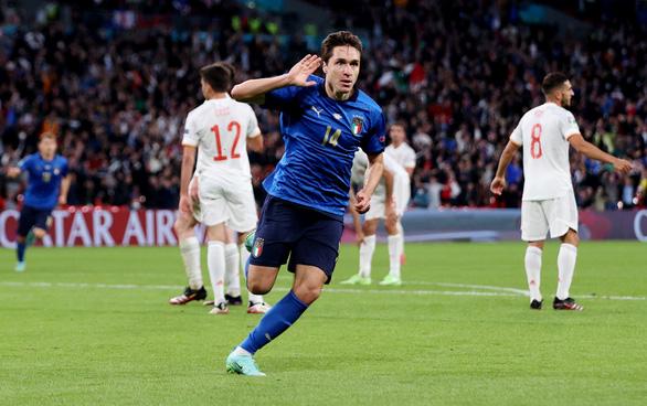 Đánh bại Tây Ban Nha trên chấm 11m, Ý vào chung kết Euro 2020 - Ảnh 1.