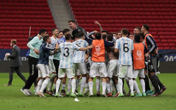 Argentina gặp Brazil ở chung kết Copa America 2021 - Ảnh 1.