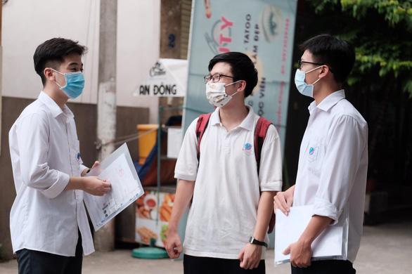 Sóng của Xuân Quỳnh vào đề thi tốt nghiệp, thí sinh kêu hơi khó phần đọc hiểu - Ảnh 6.