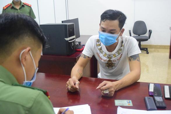 Thừa Thiên Huế phá đường dây cá độ bóng đá trăm tỉ giữa mùa Euro - Ảnh 1.