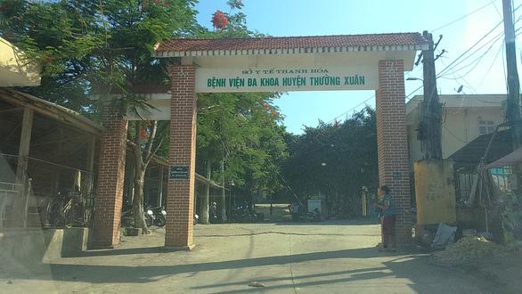 Bệnh viện duy nhất huyện miền núi Thường Xuân dừng nhận bệnh nhân do có ca COVID-19 - Ảnh 1.