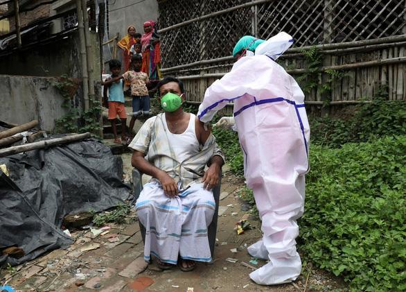 Vắc xin COVID-19 giả hoành hành tại Ấn Độ - Ảnh 1.