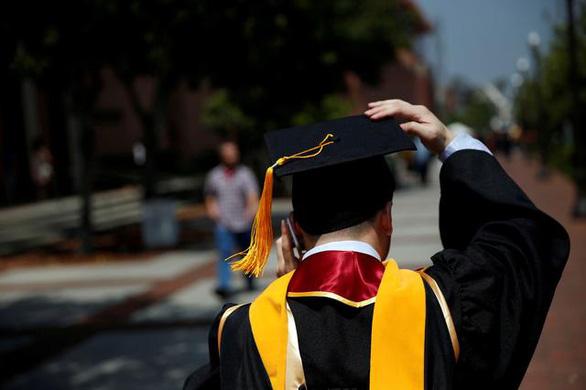 Việt Nam đứng đầu Đông Nam Á về số sinh viên du học Mỹ - Ảnh 1.