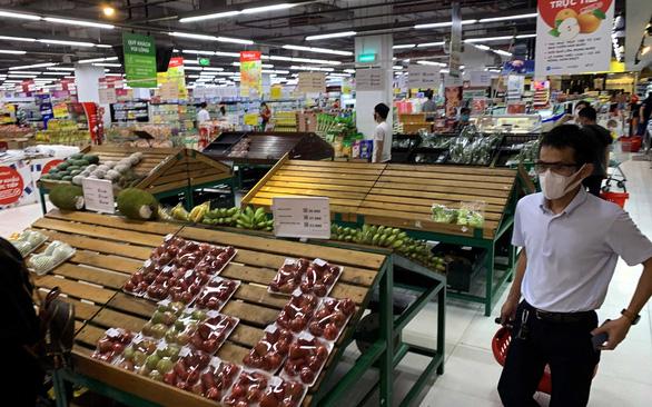 Hàng cung ứng tăng 2-5 lần, nguồn cung thực phẩm ở TP.HCM dồi dào - Ảnh 2.