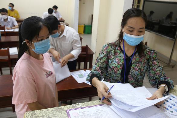 Thí sinh đặc biệt ở TP.HCM bị kẹt lại Thừa Thiên Huế do COVID-19 - Ảnh 1.