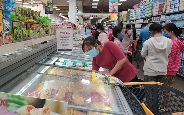 Hàng cung ứng tăng 2-5 lần, nguồn cung thực phẩm ở TP.HCM dồi dào - Ảnh 1.