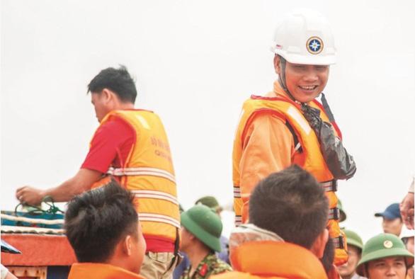 Thuyền viên Việt Nam được IMO trao thưởng hành động dũng cảm đặc biệt - Ảnh 1.