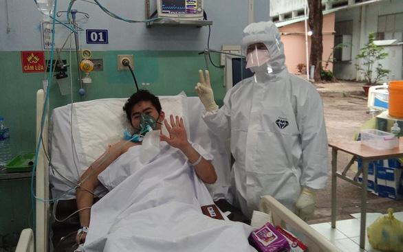 Bộ Y tế xuất máy thở, điều chuyển hệ thống ECMO cho TP.HCM - Ảnh 1.