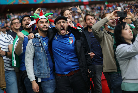 1.000 CĐV Ý được đến sân Wembley - Ảnh 1.