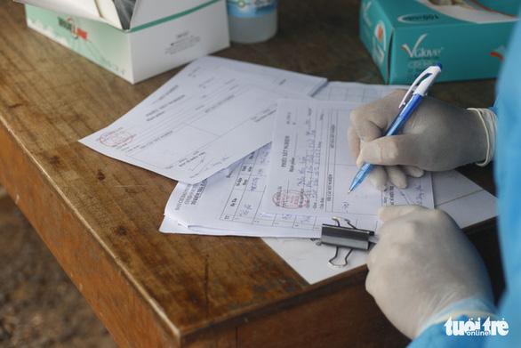 Dịch COVID ngày 8-7: Xe qua Bình Phước, phải có... giấy thông hành - Ảnh 2.