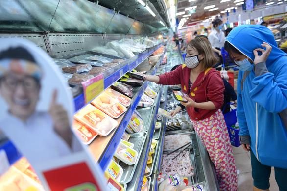 TP.HCM: Cửa hàng tạp hóa bán hàng thiết yếu được hoạt động, còn lại ngừng - Ảnh 5.