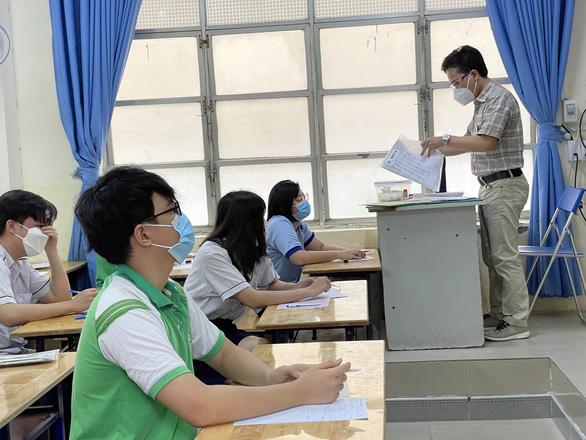 TP.HCM đề xuất Bộ GD-ĐT xét đặc cách tốt nghiệp THPT cho thí sinh thi đợt 2 - Ảnh 1.