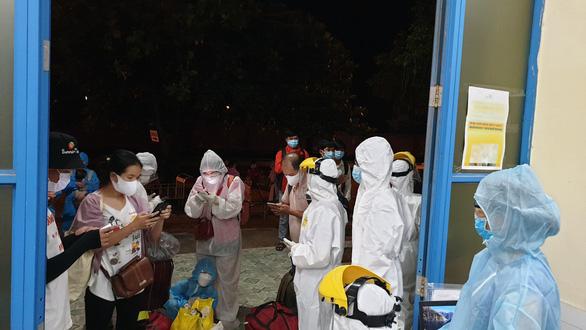 Chủ tịch tỉnh Thừa Thiên Huế: Sẵn sàng nhận 26 người đi tàu từ TP.HCM về quê cách ly - Ảnh 1.