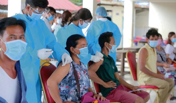 Thái Lan, Campuchia tăng mạnh số ca COVID-19 - Ảnh 2.