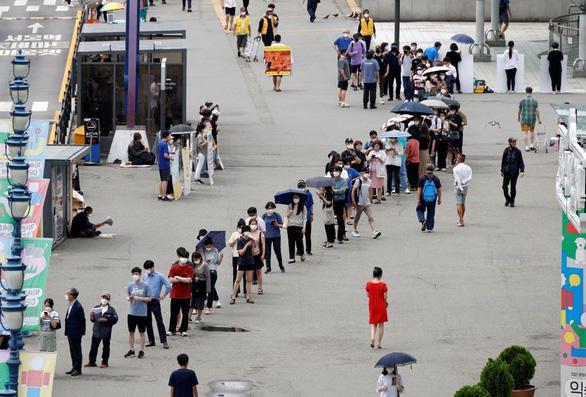 کره جنوبی از ابتدای شیوع بیماری روزانه بیشترین موارد را دارد - عکس 1.