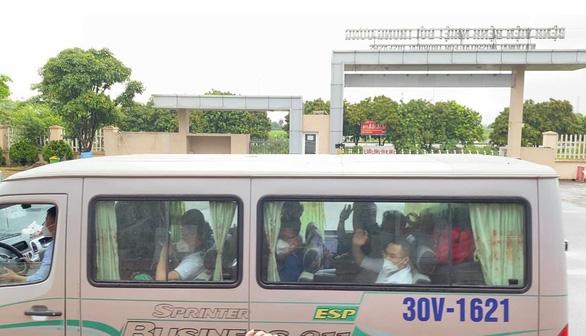 Sáng 9-7: Thêm 425 ca COVID-19 mới, khoảng 600.000 liều vắc xin Nhật Bản tặng về đến Việt Nam - Ảnh 1.