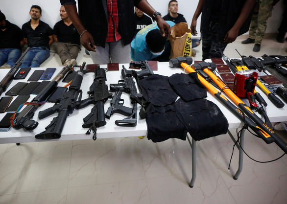 11 nghi phạm ám sát tổng thống Haiti đột nhập trốn trong cơ quan ngoại giao Đài Loan - Ảnh 2.