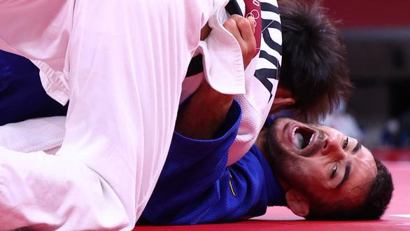 Hai VĐV judo giành huy chương bạc bị đuổi khỏi Olympic vì đi ngắm cảnh - Ảnh 1.