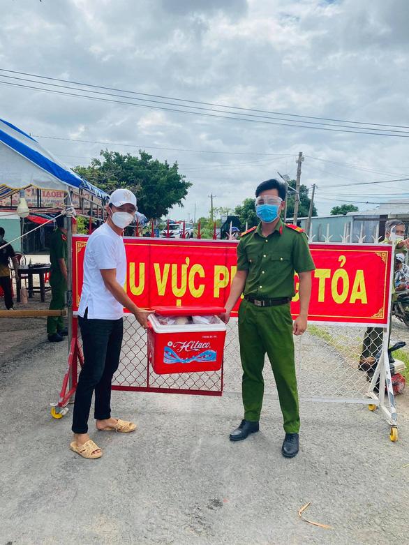 Diễn viên Minh Luân, Lê Minh Thành về quê, tham gia chống dịch - Ảnh 3.