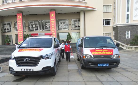 TP Thủ Đức đưa các đội tiêm vắc xin lưu động đến từng khu phố - Ảnh 5.