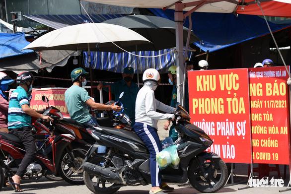 Đồng Nai gia hạn phong tỏa 55.000 hộ dân ở Biên Hòa thêm 14 ngày - Ảnh 1.
