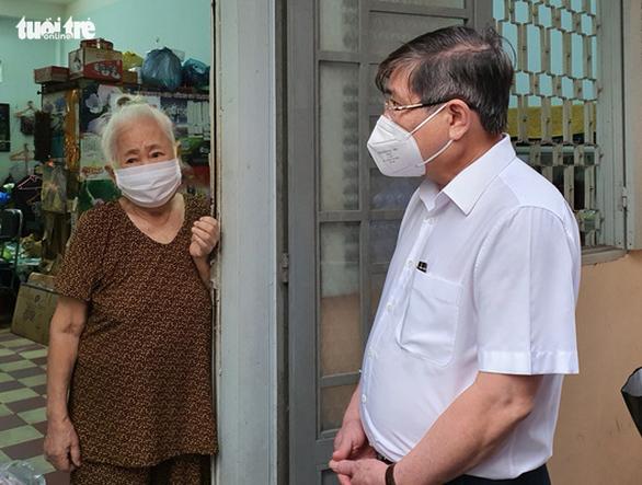 Chủ tịch Nguyễn Thành Phong cảm ơn người dân tự nguyện bảo vệ 'vùng xanh' - Ảnh 2.