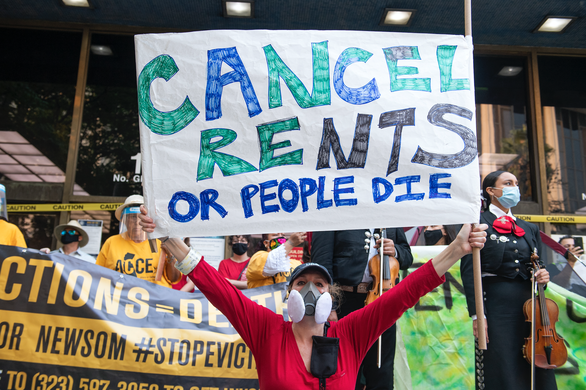 Hơn 3,6 triệu người Mỹ thuê nhà có nguy cơ bị đuổi ra khỏi đường - Ảnh 1.