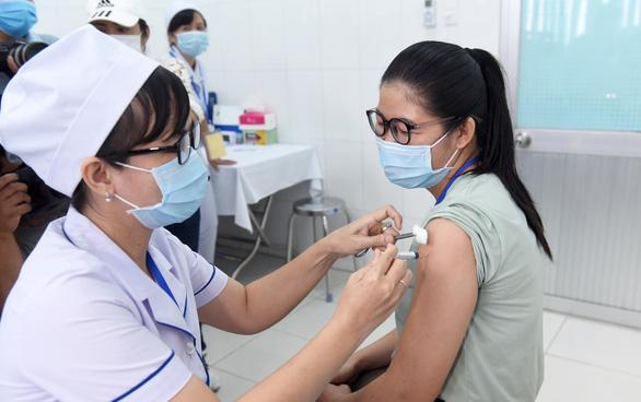 Vắc xin Nano Covax có cả dạng xịt mũi - Ảnh 1.