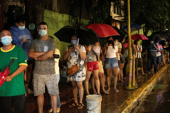 Campuchia phát hiện đột biến của biến thể Alpha, Singapore tiêm đủ cho 70% dân số - Ảnh 1.