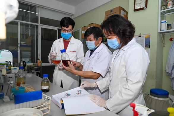 Sắp có thuốc điều trị COVID-19 made in Vietnam - Ảnh 2.