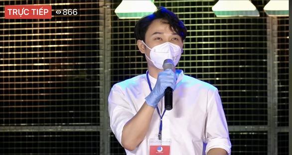 Bác sĩ, nghệ sĩ livestream chia sẻ với công chúng qua chương trình Thành phố 18h - Ảnh 6.