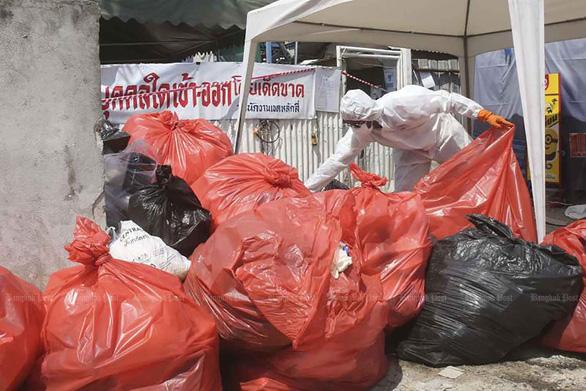 Thái Lan đau đầu với lượng rác tăng cao, phát hiện rác có dấu vết virus corona - Ảnh 1.