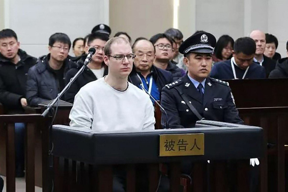 Trung Quốc y án tử hình công dân Canada khi phiên tòa xử bà Mạnh Vãn Chu đang diễn ra - Ảnh 1.