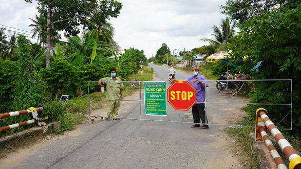 Phó thủ tướng Vũ Đức Đam: Tây Ninh cần giữ an toàn và mở rộng vùng xanh phòng dịch - Ảnh 1.