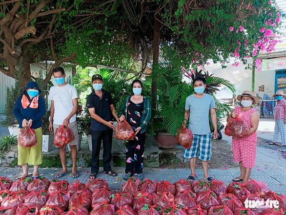 Rau củ quả Quảng Nam ủng hộ đã tới tay người dân Sơn Trà, Đà Nẵng - Ảnh 1.