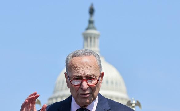 Thượng viện Mỹ thông qua gói ngân sách khổng lồ 1.000 tỉ USD